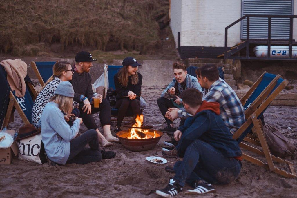 キャンプ=焚き火という方も多いですね