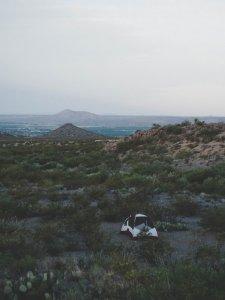 大草原にポツンとテントを張る…なかなかできないシチュエーション